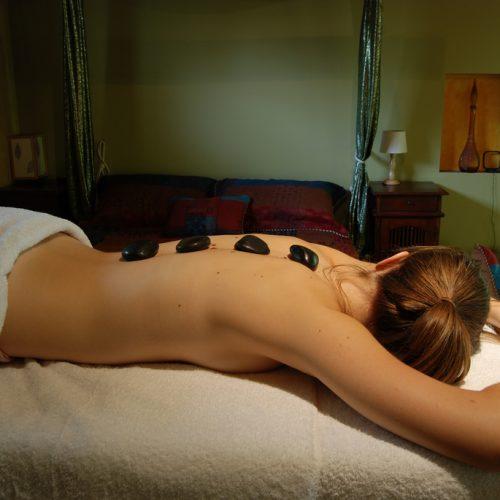 Massaggio con pietre Hot Stone